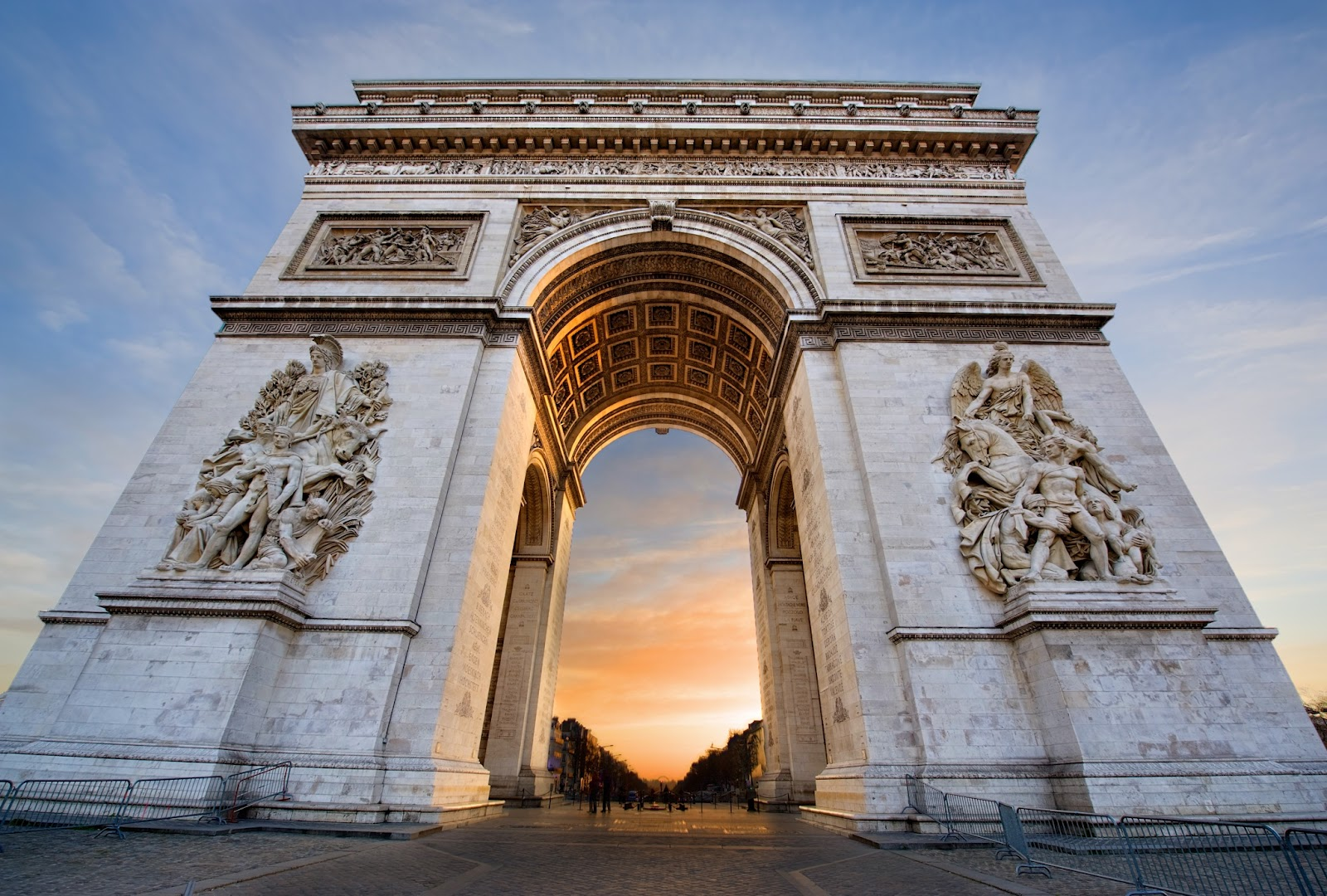 arc_de_triomphe_sunrise